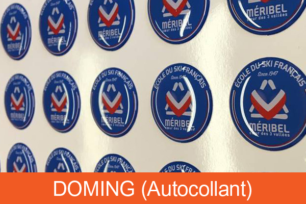 Doming autocollant